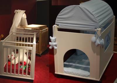 Von der  Babywiege über den Laufstall zum Spielhaus