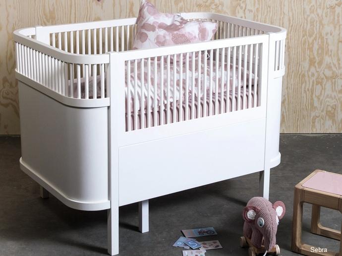 mitwachsende babybetten wohnen. Black Bedroom Furniture Sets. Home Design Ideas
