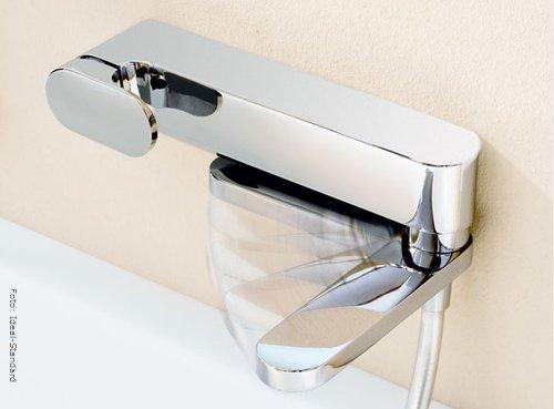 bad armaturen schickes design moderne technik wohnen. Black Bedroom Furniture Sets. Home Design Ideas