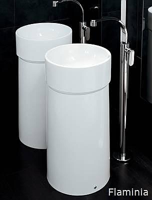 säulen waschbecken wirken wie skulpturen im bad > wohnen, Hause ideen