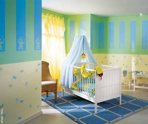 kinderzimmer komplett gestalten wenn junge und m dchen einen raum pictures to pin on pinterest. Black Bedroom Furniture Sets. Home Design Ideas