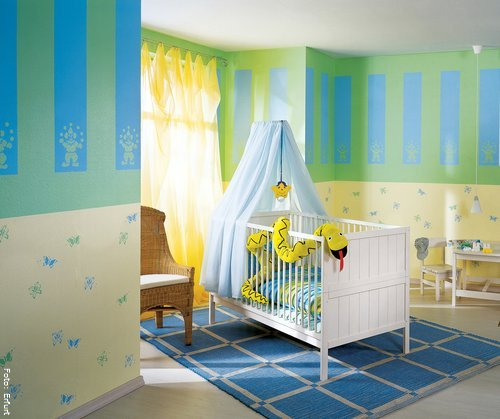 kinderzimmer komplett gestalten wenn junge und m dchen einen raum pictures to pin on pinterest. Black Bedroom Furniture Sets. Home Design Ideas