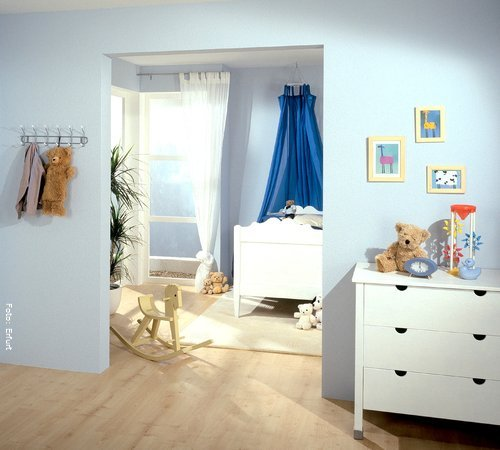 kinderzimmer gestalten mit tapeten und bord ren wohnen. Black Bedroom Furniture Sets. Home Design Ideas